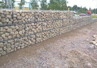 S-Market Nikkilä kivikoreja 2