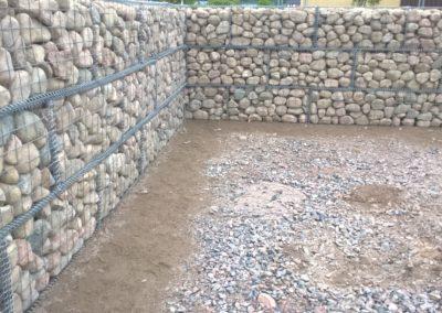 S-Market Nikkilä kivikoreja